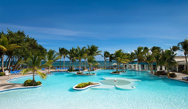 Coconut-Bay-pool