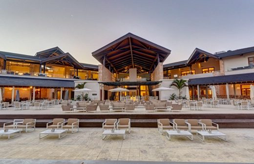 The Royalton St Lucia Resort and Spa - An all inclusive Resort. All inclusive resorts in St Lucia. The best places to stay in St Lucia. The most romantic places in St Lucia. Where to eat in St Lucia. Affordable resorts in St Lucia. Traveling to St Lucia #stluciatravels #vacationinstlucia #beachvacation