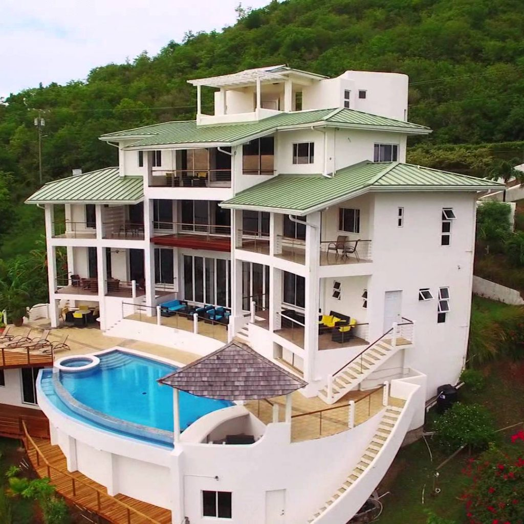 Akasha Villa villa st lucia. Staying in St Lucia. Booking an all inclusive resort in St Lucia. Booking your all inclusive resorts in the Caribbean. Best places to travel in the Caribbean. Affordable all inclusive caribbean vacation. The best Villas in St Lucia. Places to stay in St Lucia.