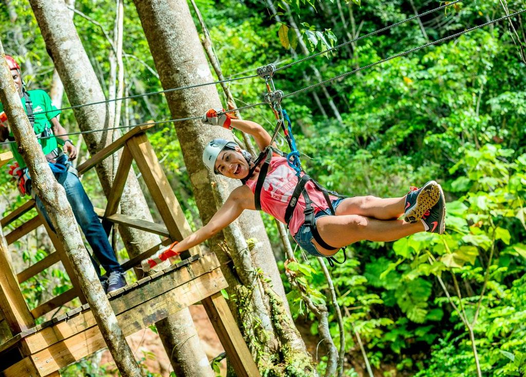 zip lining in St.Lucia pic