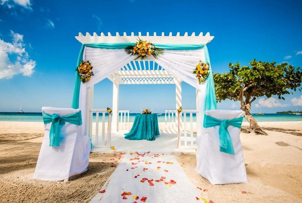 !0 best destination island wedding
